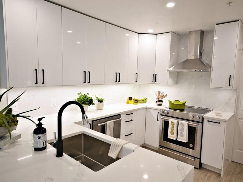 کابینت های براق آشپزخانه